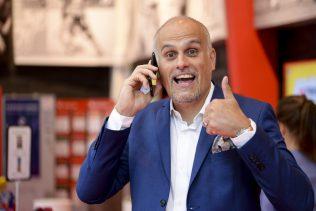 Äntligen fick Pierre Jonsson, vinnarambassadör på Svenska Spel, kontakt med den man som vann 7,9 miljoner på Eurojackpot i fredags.