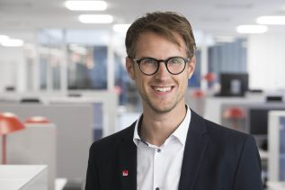 Magnus Fridell, vinnarkommunikatör Svenska Spel, fick på söndagseftermiddagen kontakt med den man som lämnat in miljonspelet på Stryktipset.