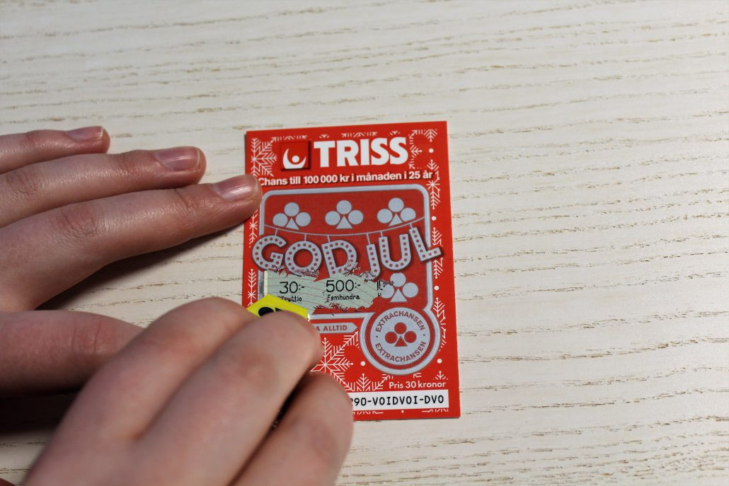 Uppsalaparet fick en stor chock när de skrapade fram 100 000 x 10 på sin Triss.
