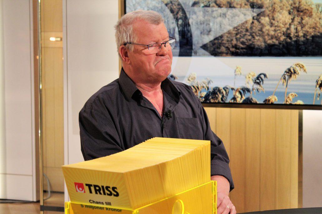 Göran Forsman fick programledarna att skratta flera gånger när han skrapade fram sin storvinst på Triss.