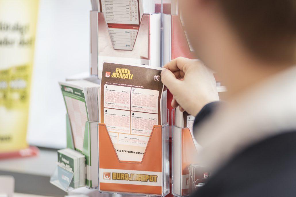 Sent på fredagskvällen föll det ut en rejäl miljonvinst på Eurojackpot då en rad inlämnad på Stora COOP i Rotebro gav drygt 7,1 miljoner kronor.Foto: Adam Wrafter / BILDBYRN / Cop 233