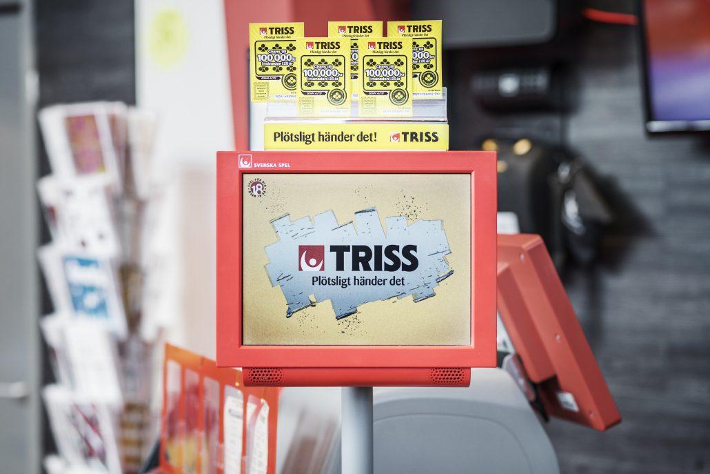Tidigare i år har en Nynäshamnbo vunnit drygt 4,4 miljoner på Lotto och en annan skrapat Triss i TV. Nu väntar ytterligare ett TV-skrap efter att Willys i Nynäshamn sålt en Triss med tre TV-apparater.