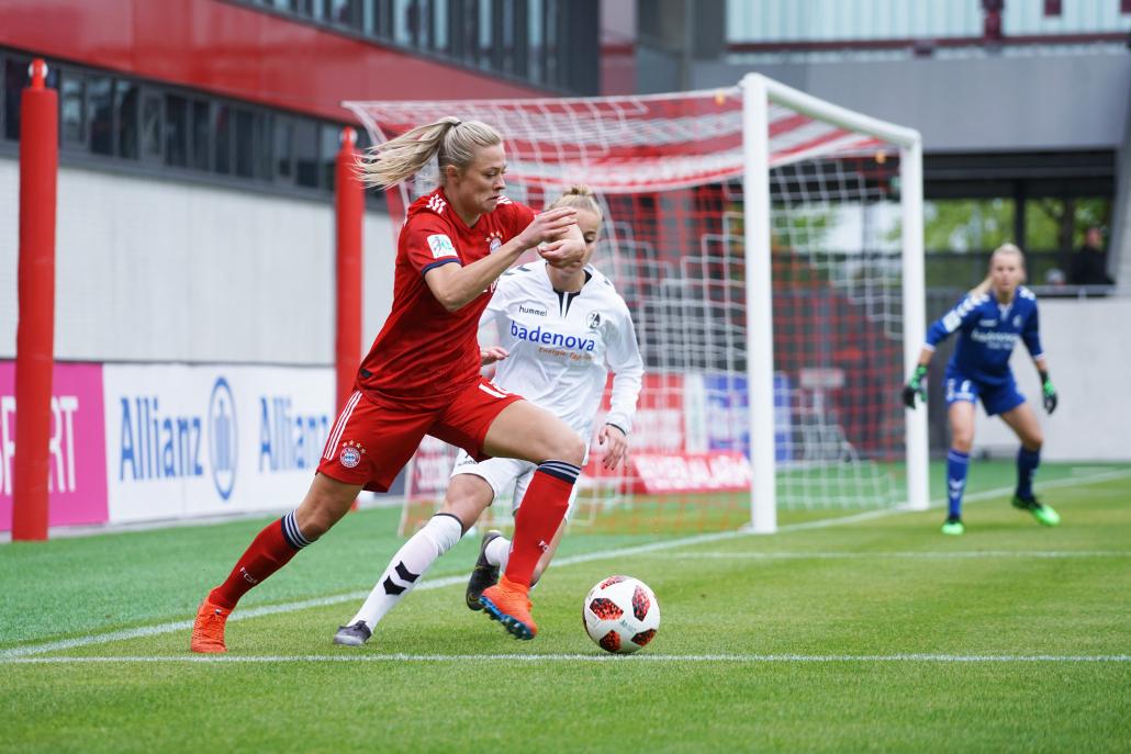 Fridolina Rolfö, en av många svenska spelare som valt att testa vingarna ute i Europa. Under drygt två års tid i Bayern München men sedan sommaren 2019 i VfL Wolfsburg. Fotot: Rebecca Candevi