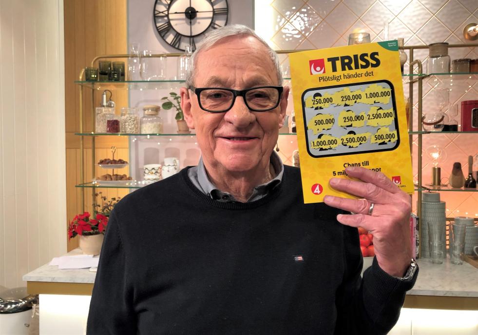 Åke Rosander från Östhammar vann 250 000 kronor på Triss i tv efter att ha spontanköpt två Trisslotter av rena tillfälligheten.