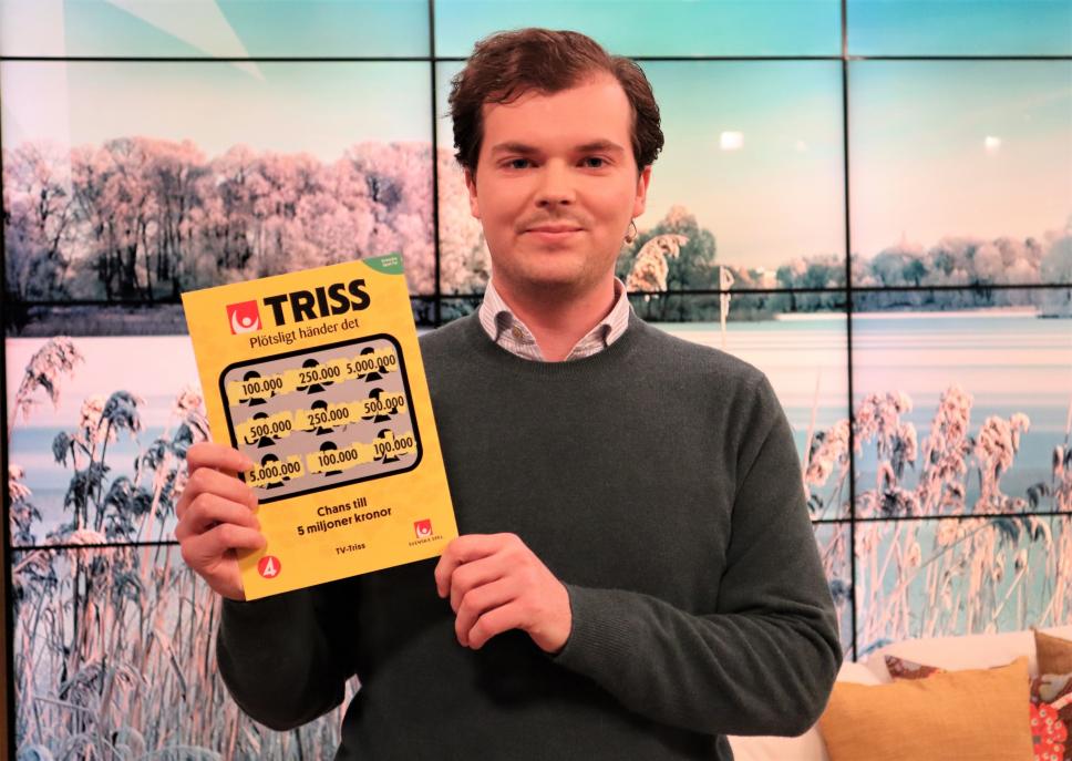 27-åriga Fredrik Stokke och hans flickvän höll på att missa de tre tv-rutorna på en Trisslott. Det tog dem denna morgon till direktsänd morgon-tv där Fredrik skrapade fram 100 000 kronor.