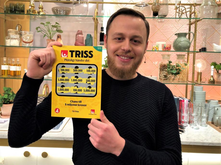 25-åriga Qendrim Nuka från Hässleholm vann 100 000 kronor på Triss i tv under årets fattigaste dag.