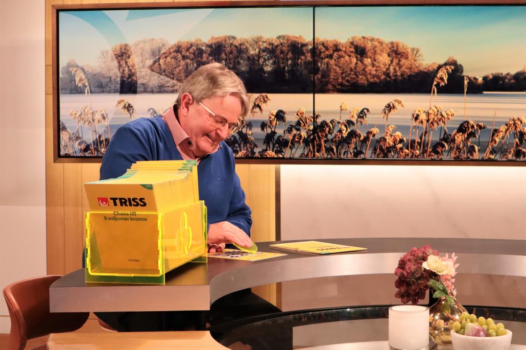 Taxichaffören Staffan Nylander från Täby skrapade fram en rejäl dricks på Triss i tv på rekordsnabb tid.