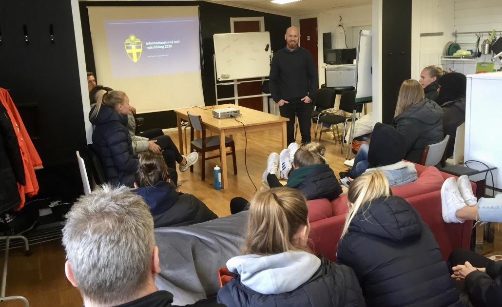 Spelarna och ledarna i Kopparbergs/Göteborg FC fick på onsdagen information om matchfixning. Foto: Kopparbergs/Göteborg FC