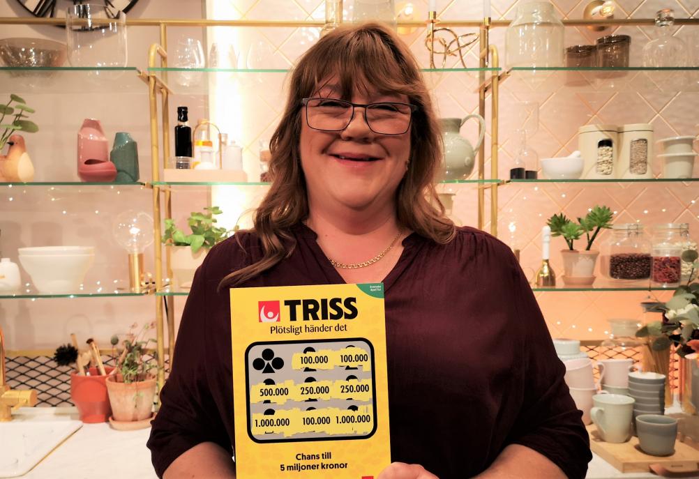 Tidaholmsbon Annica Johansson skrapade fram 100 000 kronor på Triss i tv åt sin korsordsintresserade pappa.