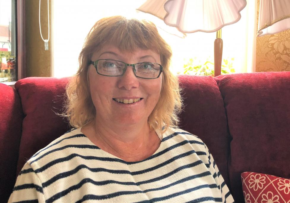 Miriam Hinas från Slite blev årets första miljonvinnare när hon började midsommardagen med att skrapa fram 1,8 miljoner kronor på Triss i tv. Pengarna kommer gå till köksrenovering och 50-års firande.