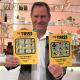Mickael Richter från Örebro skrapade under lördagsmorgonen fram 1,8 miljoner kronor på Klöver-Triss till sina svärföräldrar som nu kommer sätta guldkant på vardagen.