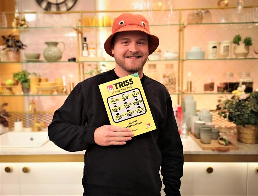 25-åriga lagerarbetaren och tv-spelaren Patrik Skattberg från Varberg tillhör turfamiljen som skrapat fram tre tv-rutor och en garanterad storvinst på Triss hela fyra gånger. Denna torsdagsmorgon skrapade Patrik fram 100 000 kronor i TV4 Nyhetsmorgon.