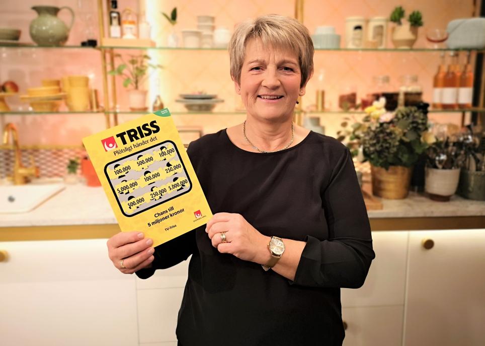 Pensionären Rose-Marie Kindvall från Linköping skrapade fram tre tv-rutor på en Trisslott efter ett lyckat lingonplock tidigare i höstas. Den lotten tog henne till TV4 Nyhetsmorgon denna torsdagsmorgon där hon skrapade fram 100 000 kronor till vardagslyx.