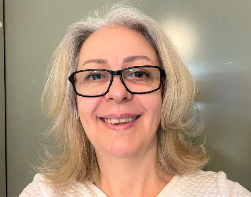 Stockholmaren Jadrankas mamma skrapade fram tre tv-rutor på en Trisslott hon köpt till sig själv i födelsedagspresent. Denna Valborgsmässoafton får hon fira med en kvarts miljon kronor extra på kontot.