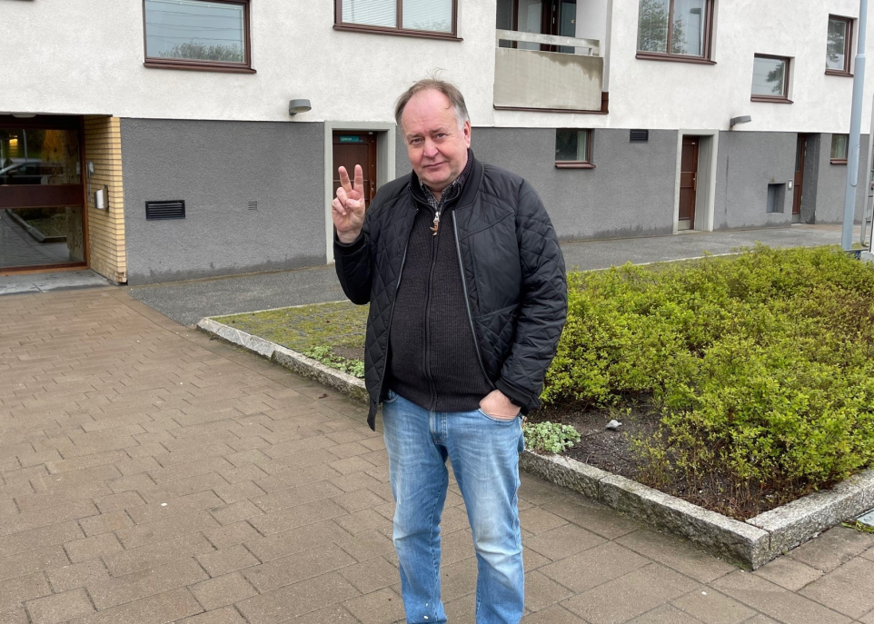 Anders från Tyresö skrapade Triss i TV4 Nyhetsmorgon. Han vann 100 000 kronor - och tog revansch på sig själv för ett gammalt misstag.