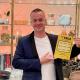 Adnan från Norrköping skrapade Triss i direktsändning i TV4 Nyhetsmorgon. Det gav 100 000 kronor. Nu planerar han resa till Kroatien med familjen.