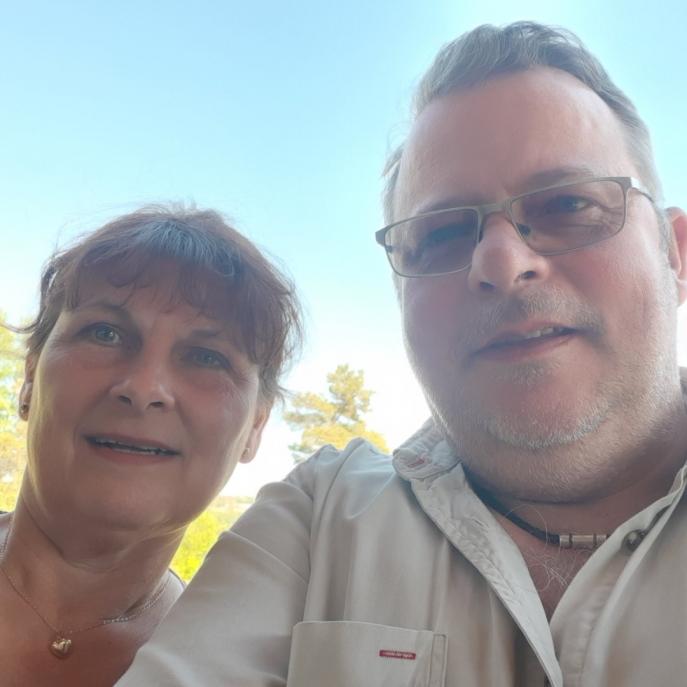 Paret Morgan och Nina skrapar fram 100 000 i direktsändning