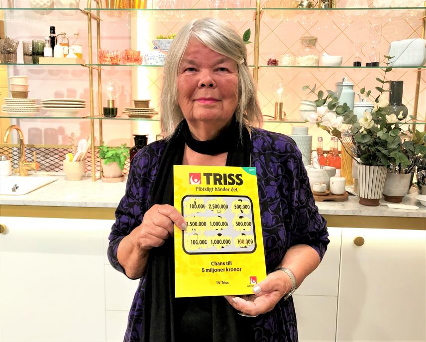 Pensionären Maggan från Visby vann 100 000 kronor på Triss i tv av en ren tillfällighet. Nu tar hon med familjen till Skansen.